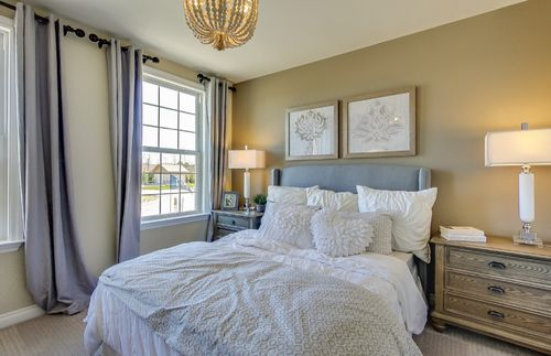 Bedroom-in-Abbeyville with basement-at-Sumerlyn-in-Auburn Hills