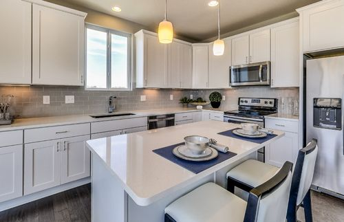 Kitchen-in-Bayport with basement-at-Sumerlyn-in-Auburn Hills