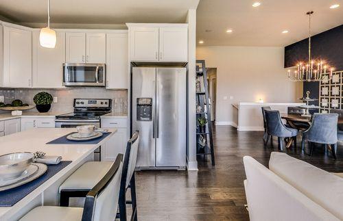Kitchen-in-Bayport-at-Sumerlyn-in-Auburn Hills