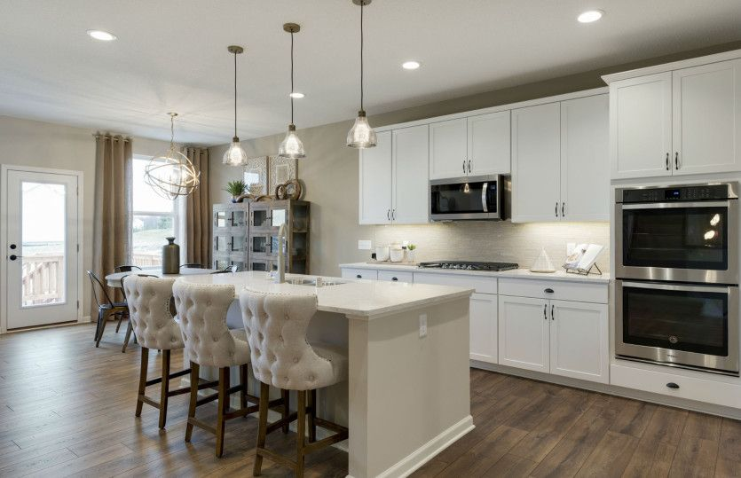 Kitchen-in-Continental-at-Southridge- Expressions Collection-in-Woodbury