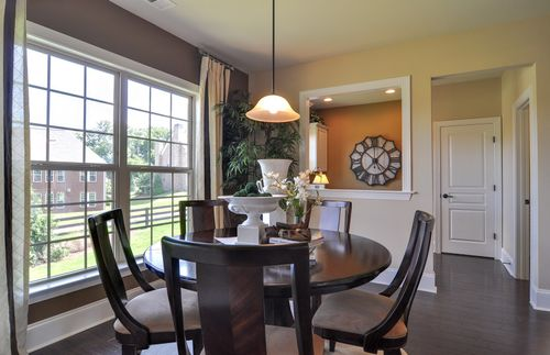 Breakfast-Room-in-Woodfield-at-Chapel Cove-in-Charlotte