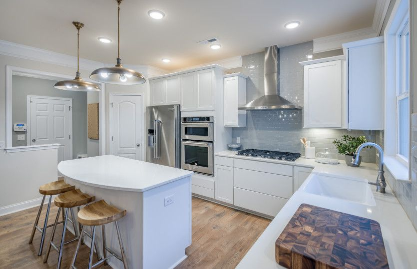 Kitchen-in-Wingate-at-Olmsted-in-Huntersville