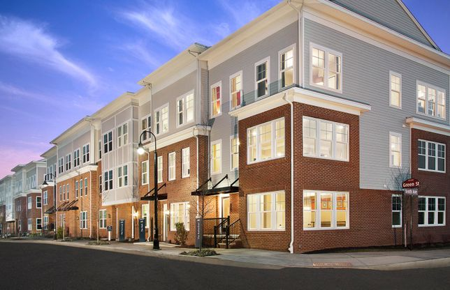 Rutherford:Luxury Rutherford townhome design at Heights at Main Street