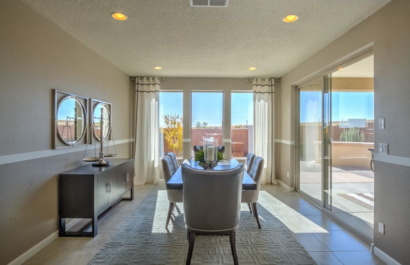 Dining-in-Parklane-at-Montecito Vistas-in-Albuquerque
