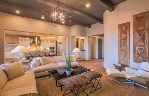 Greatroom-and-Dining-in-Courtside-at-Las Campanas-in-Santa Fe