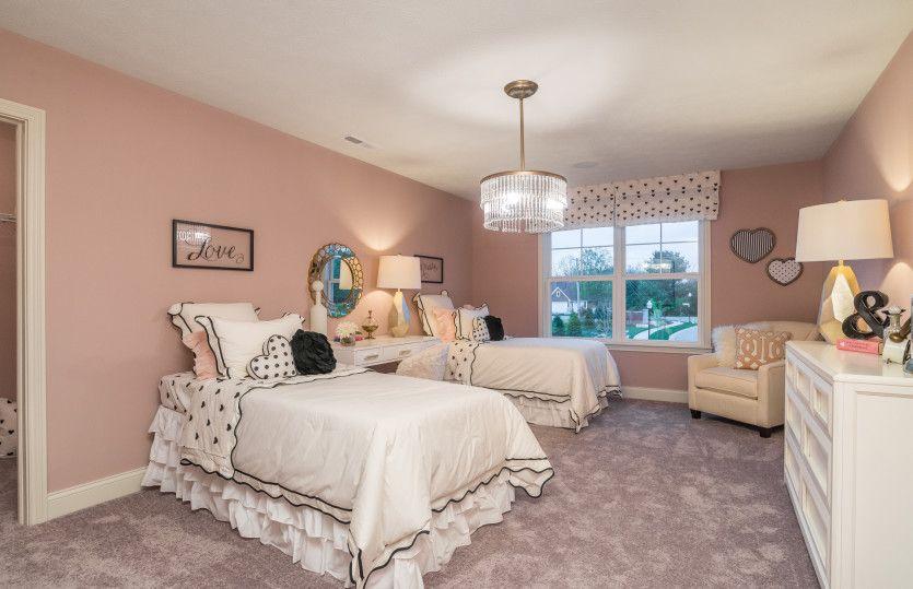 Bedroom-in-Allison II-at-Glenross-in-Delaware