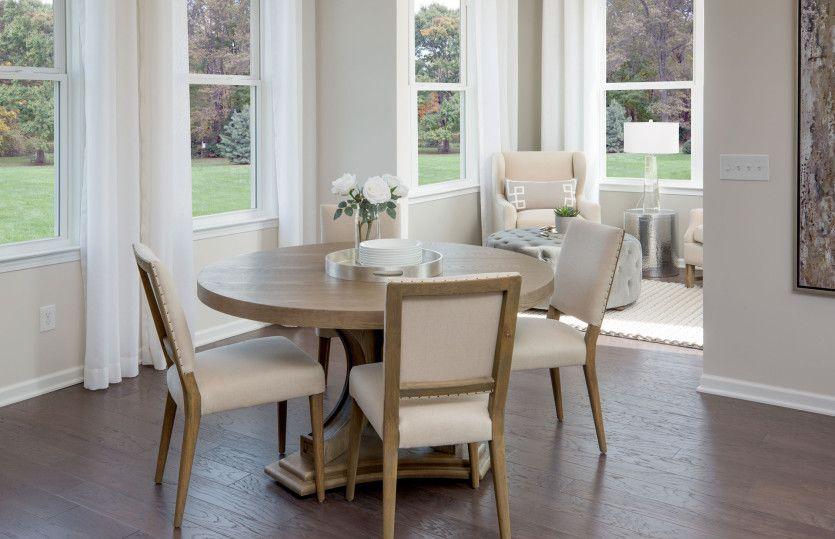 Breakfast-Room-in-Abbeyville-at-Nottingham Trace-in-New Albany