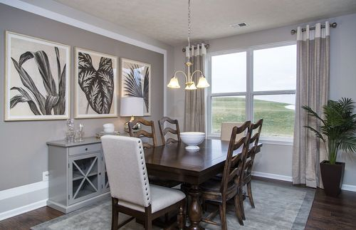 Dining-in-Ascend-at-Newell Creek-in-Mentor