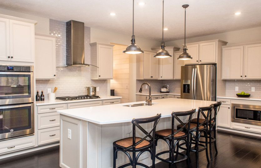 Kitchen-in-Deer Valley-at-Hawthorn of Aurora-in-Aurora