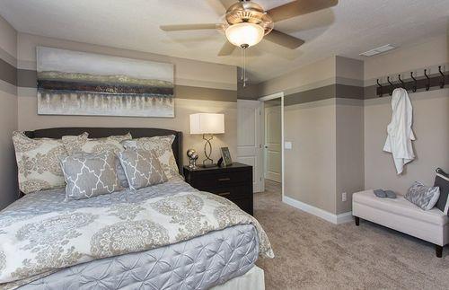 Bedroom-in-Dresden-at-River Oaks-in-Hudson