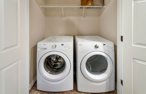 Laundry-in-Surrey-at-Tall Oaks-in-Warminster