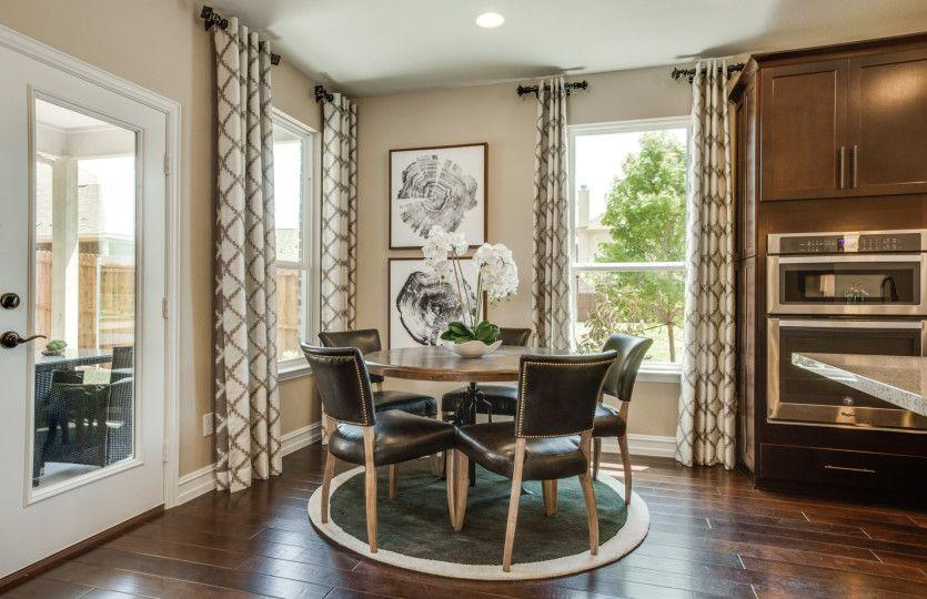 Breakfast-Room-in-Mooreville-at-Willow Ridge Estates-in-Haslet
