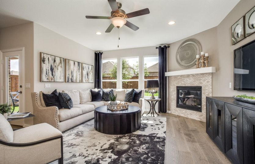 Living Area featured in the Mooreville By Pulte Homes in Dallas, TX