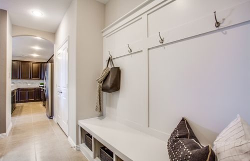 Mud-Room-in-Lexington-at-The Vineyards-in-McKinney
