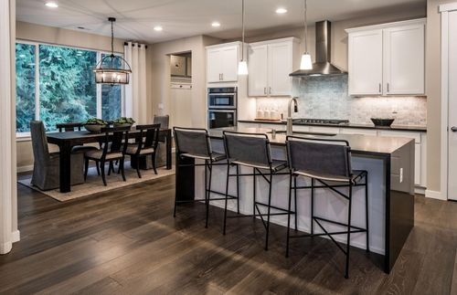 Kitchen-in-Roslyn-at-Pinnacle Peak-in-Enumclaw