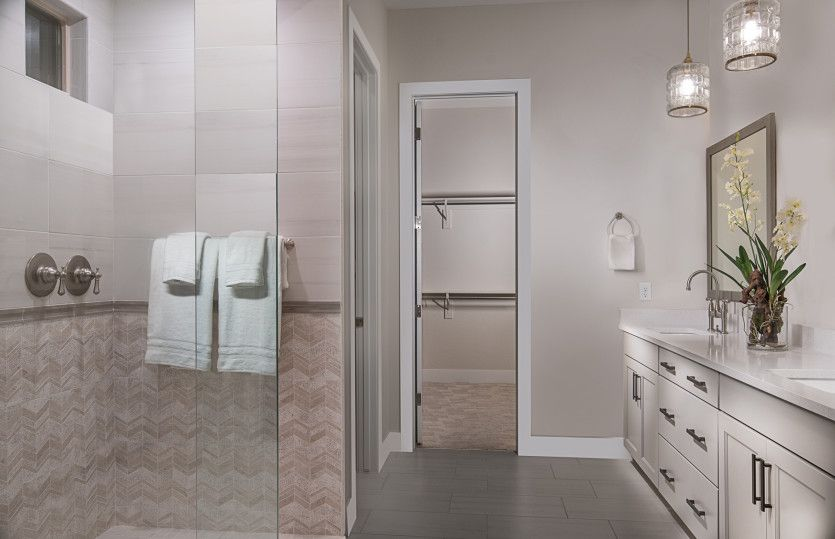 Bathroom-in-Parklane-at-Blackrock-in-Henderson