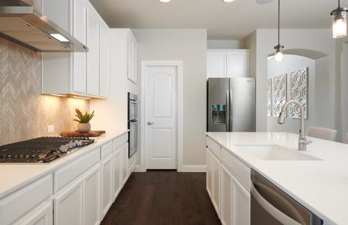 Kitchen-in-Fox Hollow-at-Homestead-in-Schertz
