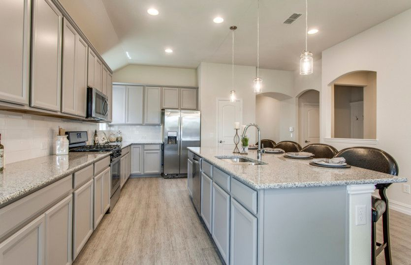 Kitchen-in-Sheldon-at-Ridgemont-in-New Braunfels
