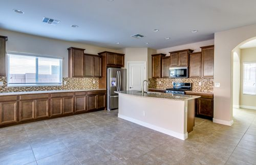 Kitchen-in-Manzanita-at-Parkside at Anthem at Merrill Ranch-in-Florence