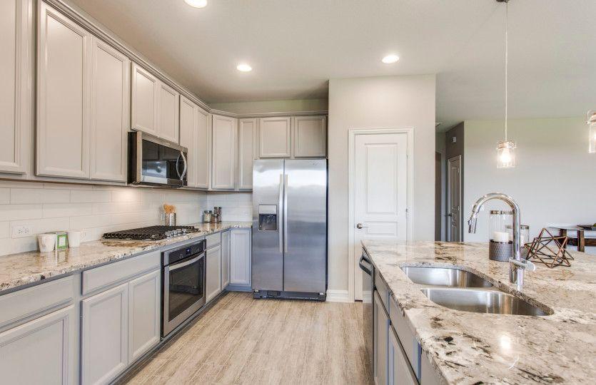 Kitchen-in-Dayton-at-Ridgemont-in-New Braunfels