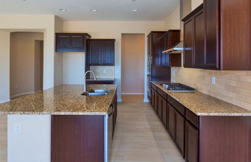 Kitchen-in-Rockledge-at-Tangerine Ridge-in-Tucson