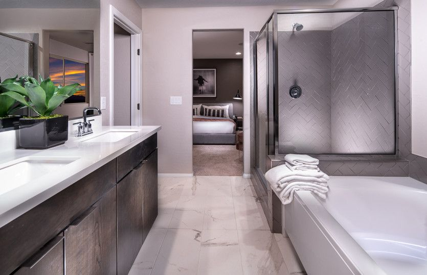 Bathroom-in-Modena-at-Catalina-in-North Las Vegas