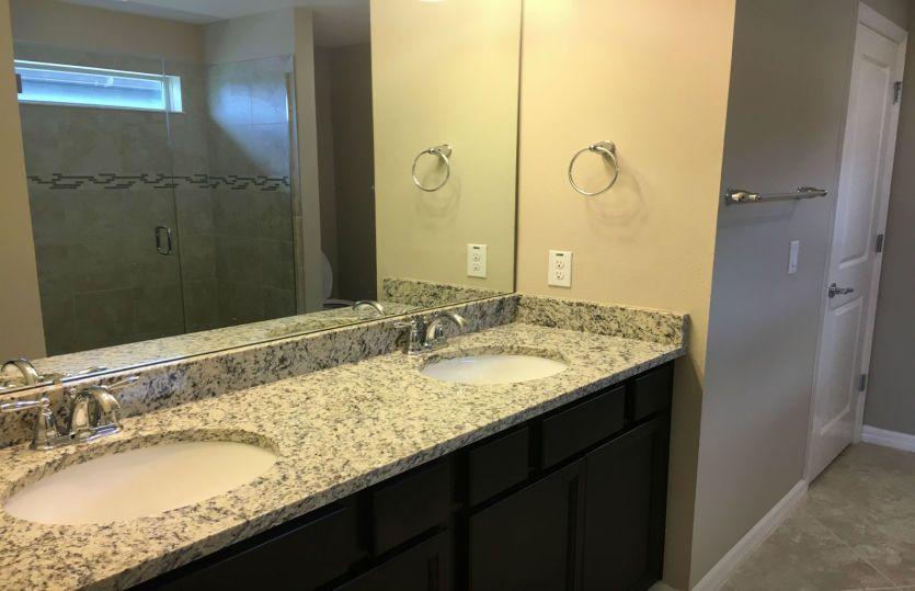 Bathroom-in-Driftwood-at-Starkey Ranch-in-Odessa