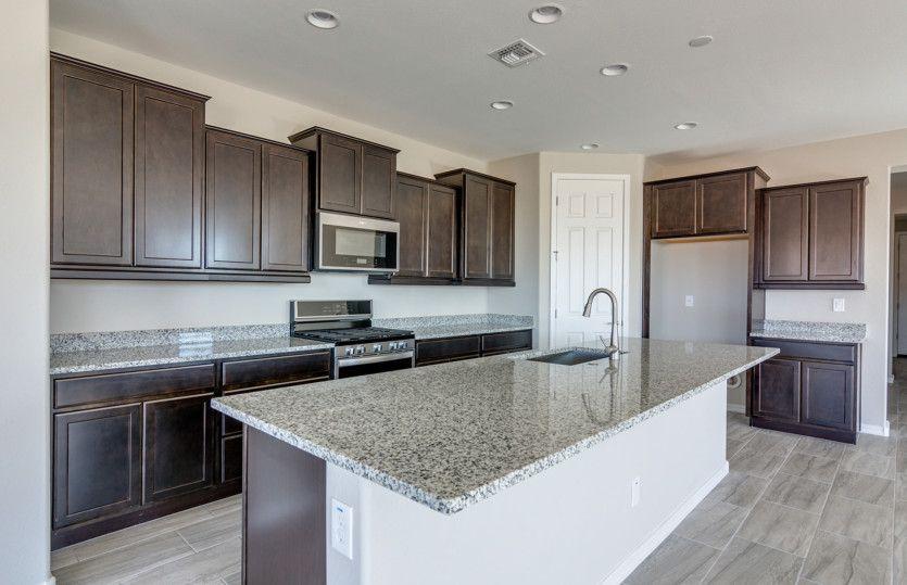 Kitchen-in-Parklane-at-Aloravita - Estate Series-in-Peoria