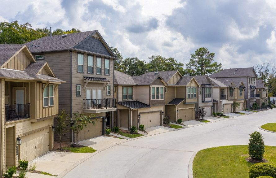 'Avondale On Main Street' by Pulte Homes - Texas - Houston Area in Houston