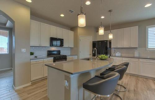Kitchen-in-Manzanita-at-Lomas Encantadas-in-Rio Rancho