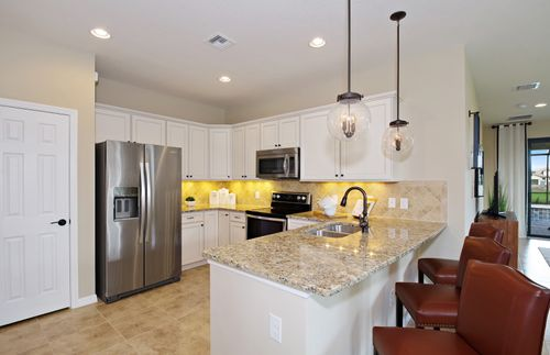 Kitchen-in-Serenity-at-Waterset-in-Apollo Beach