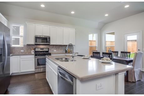 Kitchen-in-Arlington-at-Southglen-in-Boerne