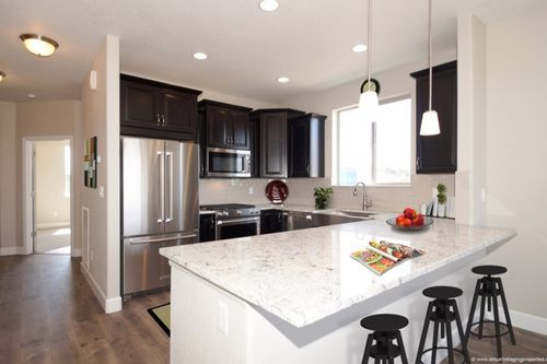 Kitchen-in-The Aspen-at-Painted Ridge-in-Aurora