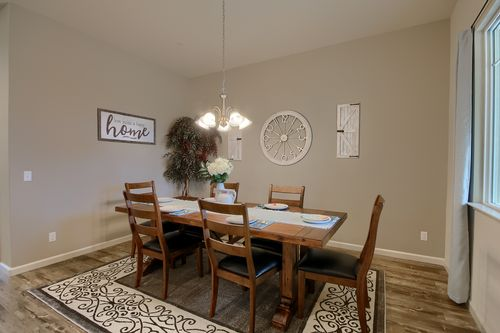 Dining-in-The Kensington-at-Monarch Country Living-in-Newman