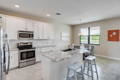 Kitchen-in-Elate-at-VillaSol-in-Kissimmee