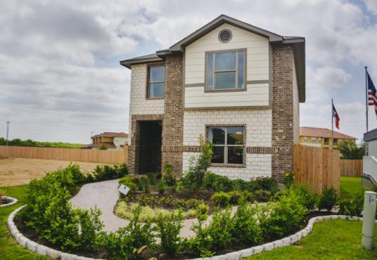 'Lomas Heights' by WestWind Homes in Laredo