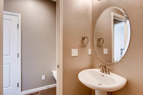 Bathroom-in-The Glendale II- Meadows Collection-at-Prairie Star-in-Berthoud