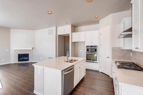 Kitchen-in-The Jamestown II- Meadows Collection-at-Prairie Star-in-Berthoud