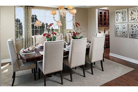 Dining-in-Dillon II-at-Anthem Highlands Retreat-in-Broomfield