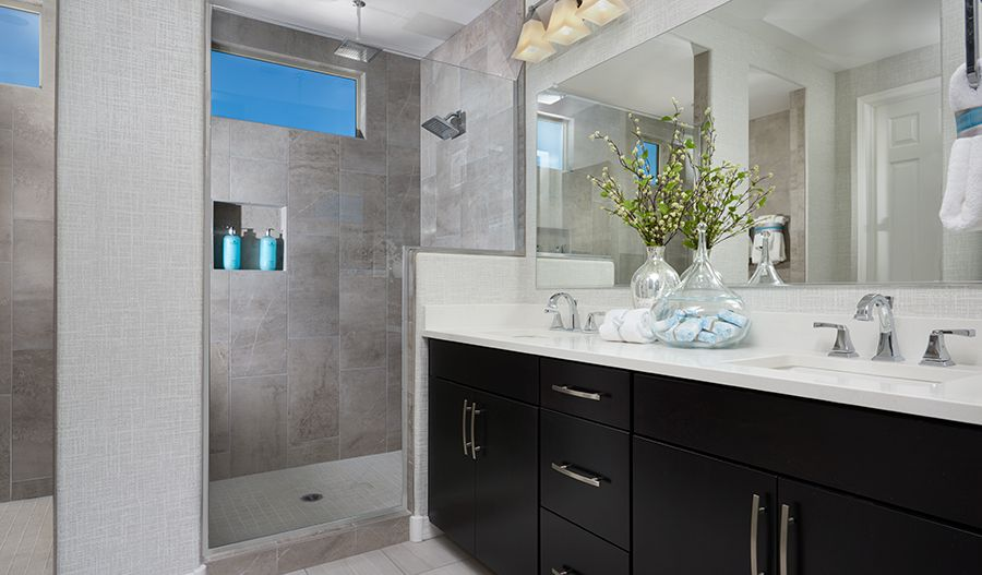 Bathroom featured in the Raleigh By Richmond American Homes in Tucson, AZ
