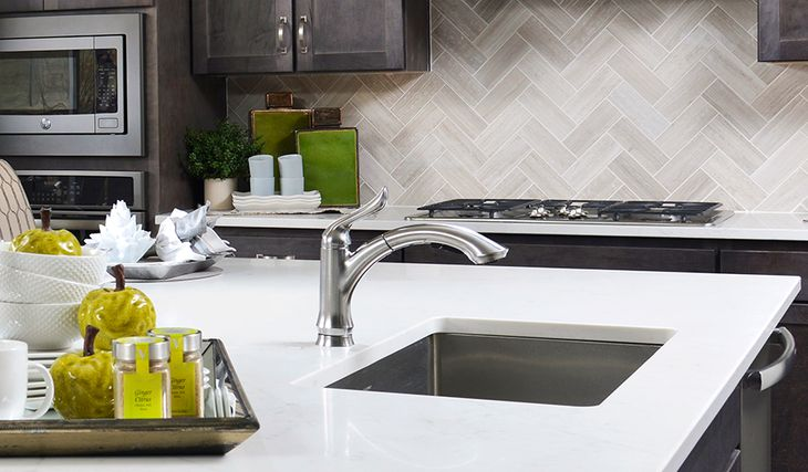 Standard Series-Yorktown-Kitchen:Kitchen Detail