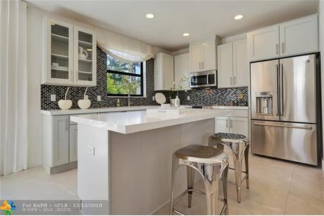 Kitchen-in-The Compass-at-Aqua Bella-in-Fort Lauderdale