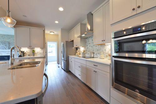 Kitchen-in-The Bridgeport-at-Cerny Estates-in-Eureka
