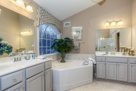 Bathroom-in-Hawthorne-at-Ridgecrest-in-Coatesville