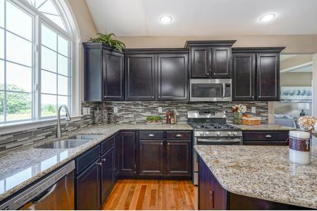 Kitchen-in-Longwood-at-Ridgecrest-in-Coatesville