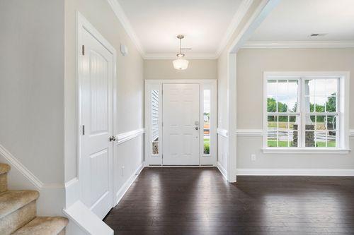 Foyer-in-The Sampson-at-Oak Park-in-Garner