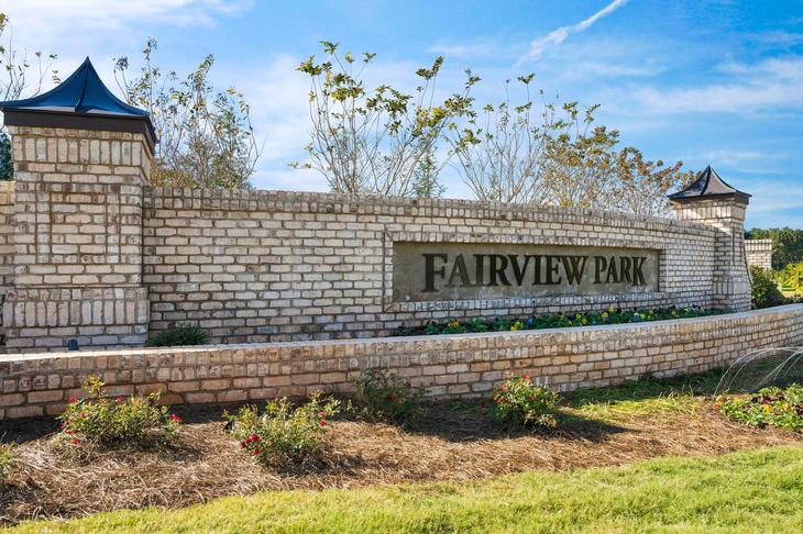 Fairview Park, Cary, Royal Oaks a Division of Mattamy Homes, Community Entrance