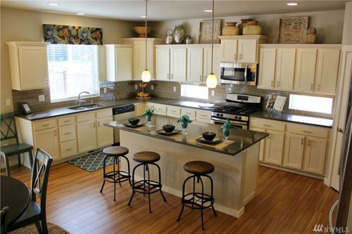 Kitchen-in-The Rainier-at-Heritage Grove-in-Puyallup