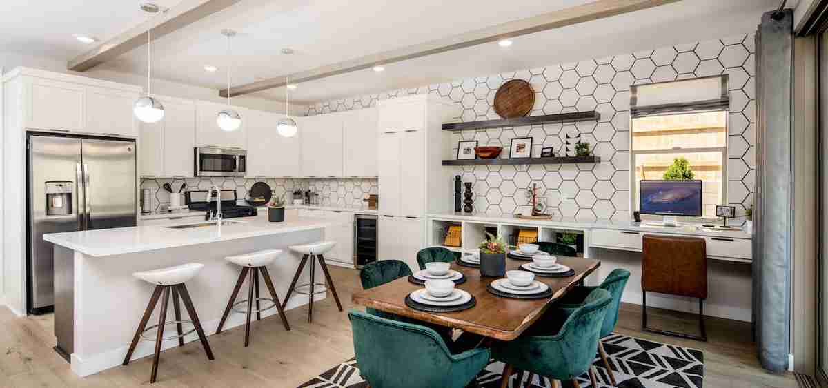 Kitchen-Dining Combo