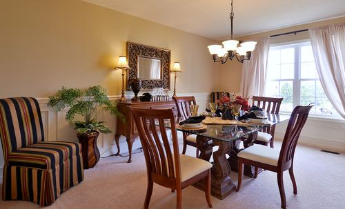 Dining-in-Hawthorne-at-Rolling Hills North-in-Duncansville